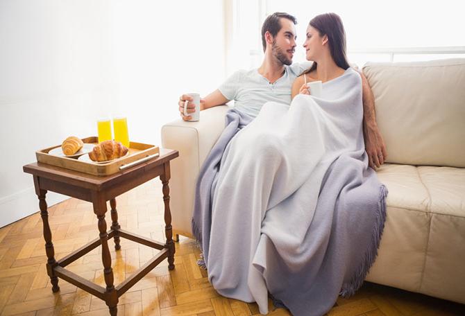 9 choses faire pour votre femme lorsqu elle a ses r gles newsmag. Black Bedroom Furniture Sets. Home Design Ideas
