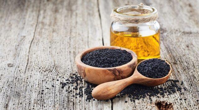 Les atouts de l'huile de nigelle pour vos cheveux