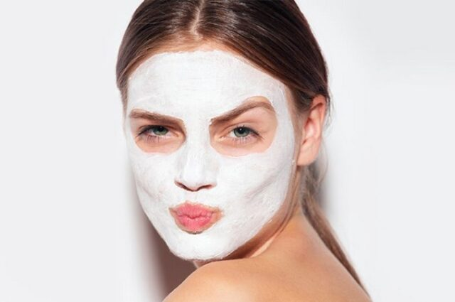 masque-a-lamidon-pour-une-peau-brillante-et-claire.jpg
