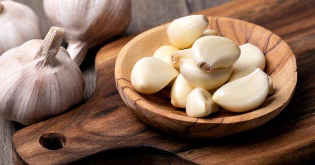 Les avantages de manger une gousse d'ail à jeun