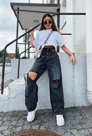 Tendance mode 2021 : jeans et top pour être au top !